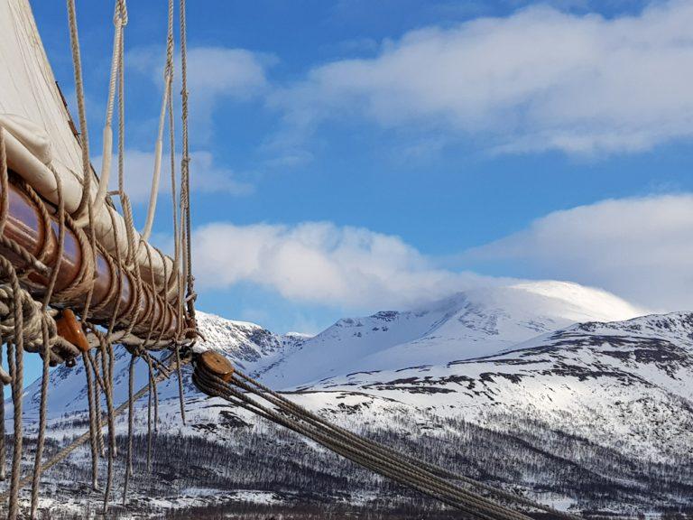 Segeln durch die Fjorde Nord-Norwegens – ein einzigartiges Erlebnis