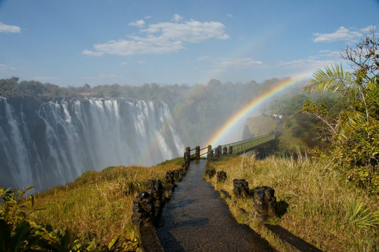 Regenbogen an den Viktoriafällen
