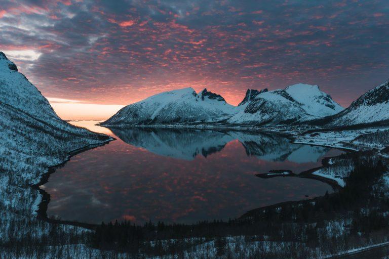 Malerische Sonnenuntergänge