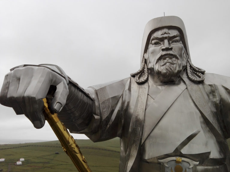 Die Mongolen ehren Dschingis Khan mit einem 30 Meter hohen Denkmal
