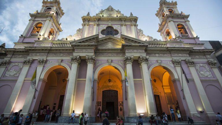 Die wunderschöne Katedrale von Salta