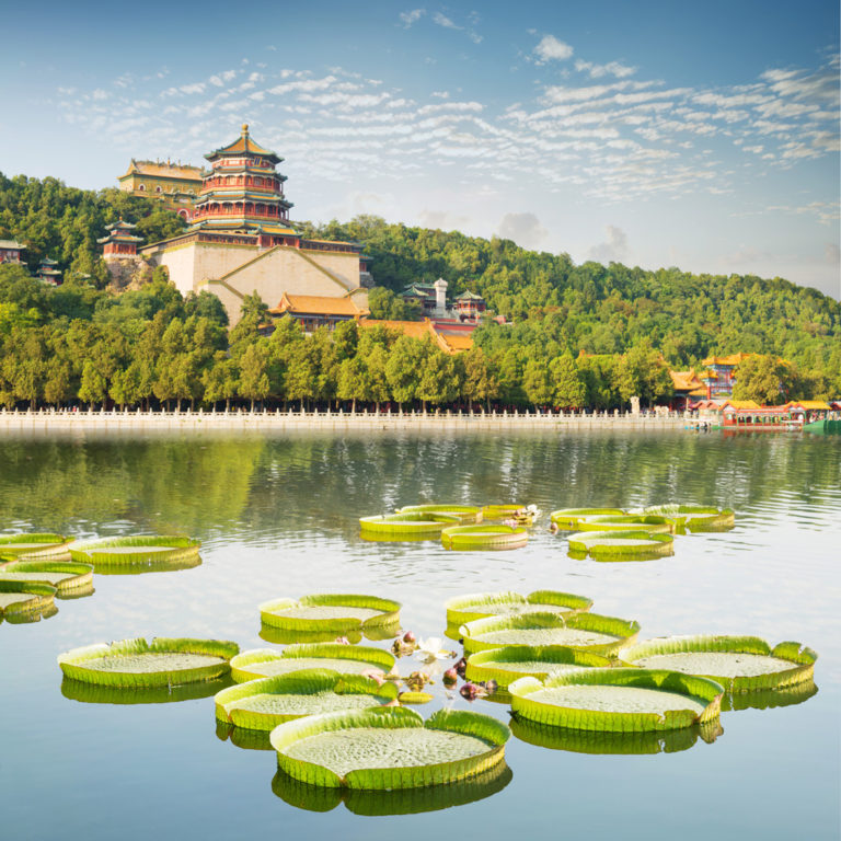 Märchenhafter Blick auf den Sommerpalast