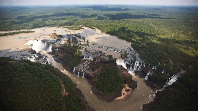 Die gigantischen Iguazu Wasserfälle