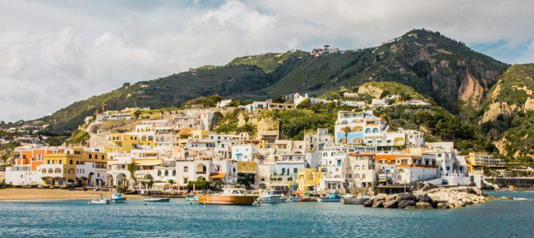 Die wunderschöne Insel Ischia erkunden
