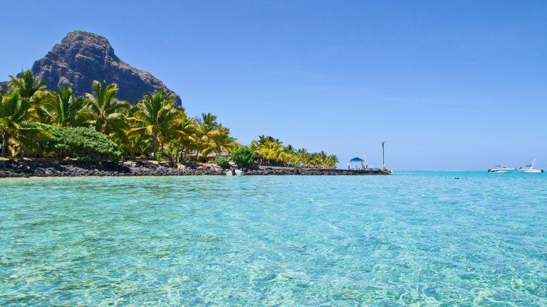 Mauritius lockt mit kristallklarem Wasser