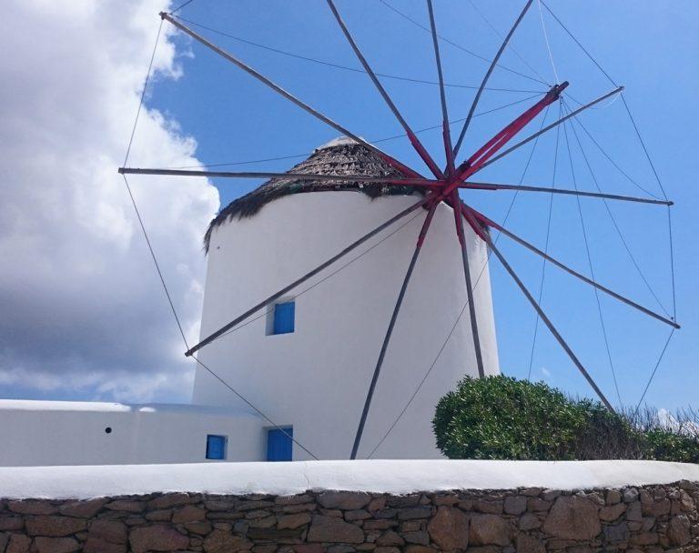 Eine ägäische Windmühle – wie aus einer anderen Zeit