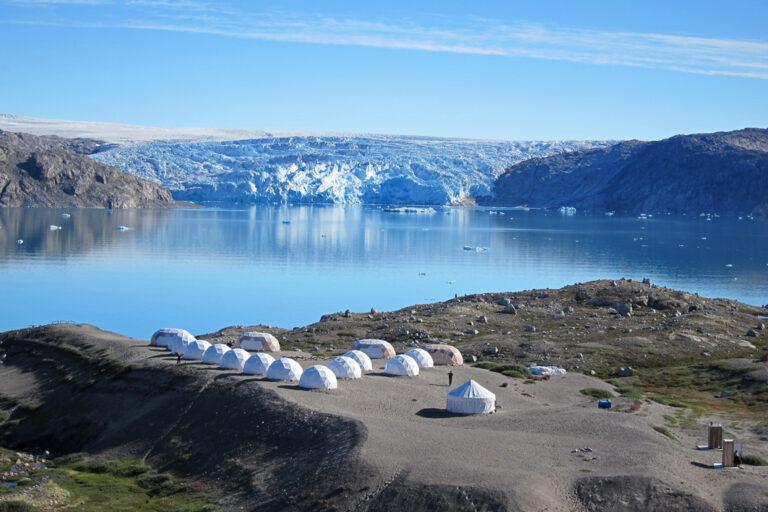 Das Qaleraliq Gletschercamp in traumhafter Kulisse