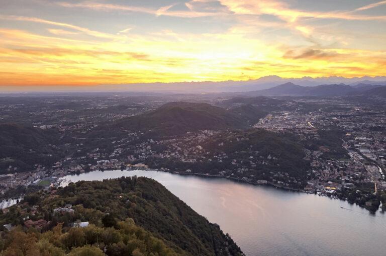 Den Sonnenuntergang über dem Comer See erleben