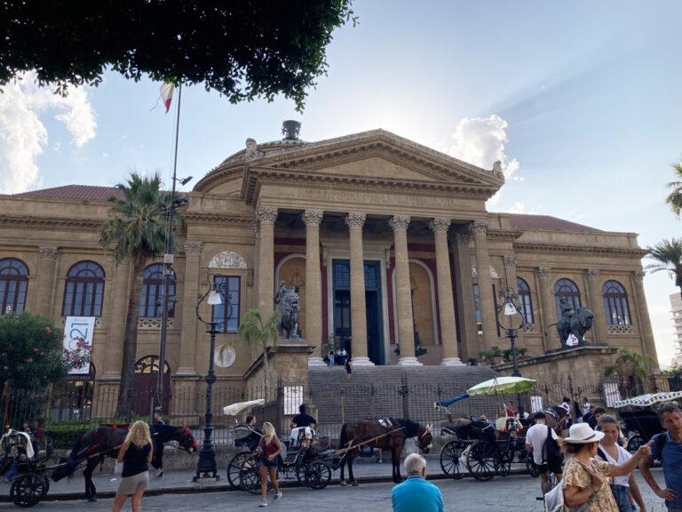 Das beindruckende Teatro Massimo