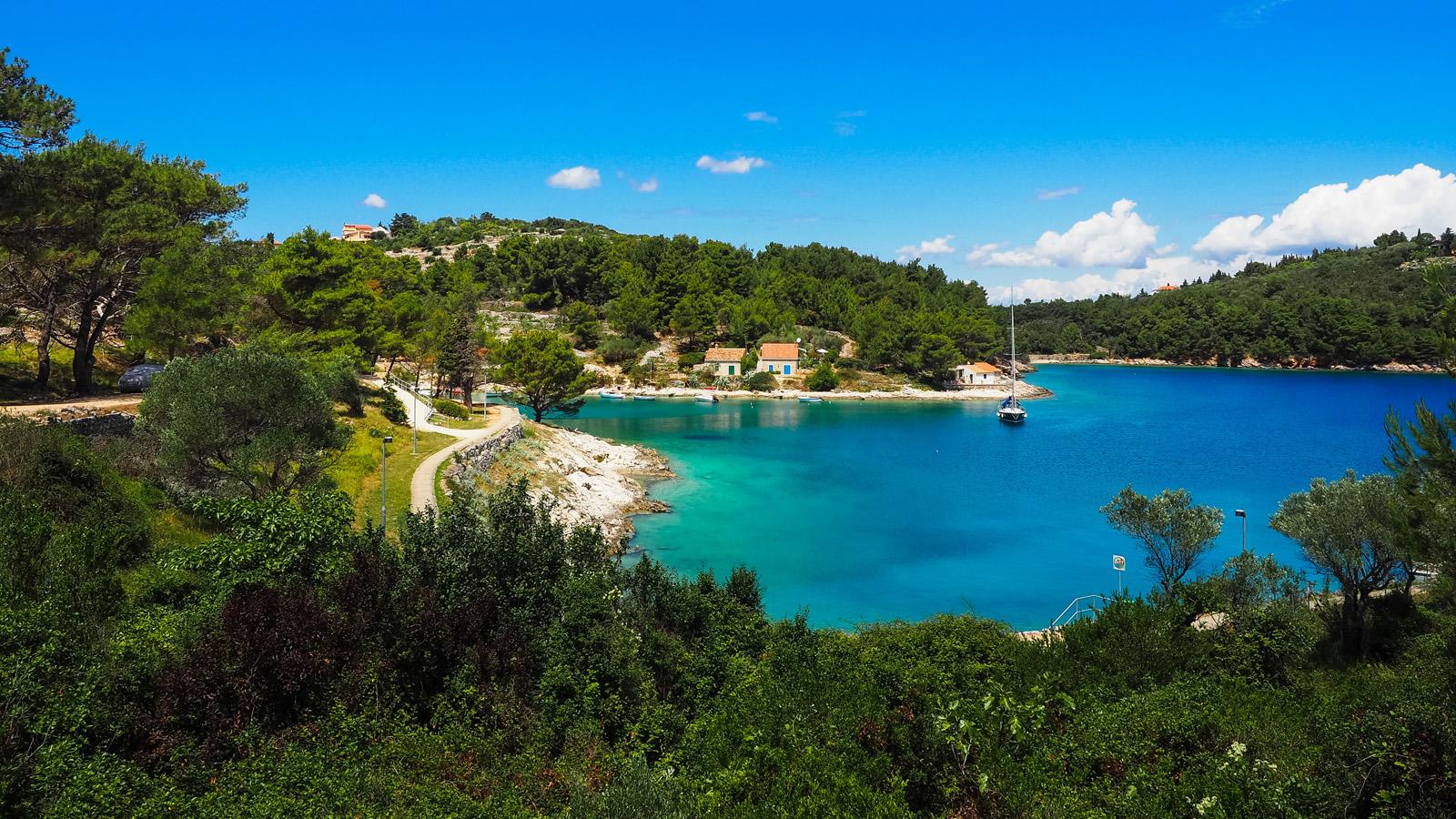 segeln-in-kroatien-ab-pula-traveljunkies