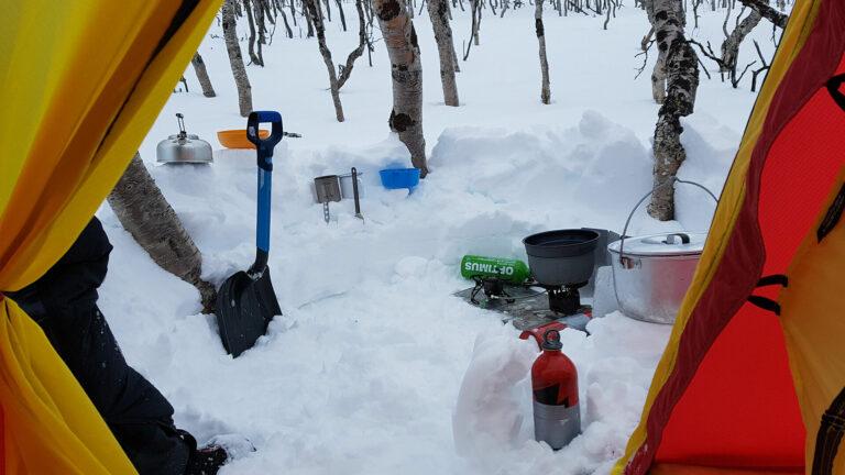 Outdoor-Küche aus Schnee