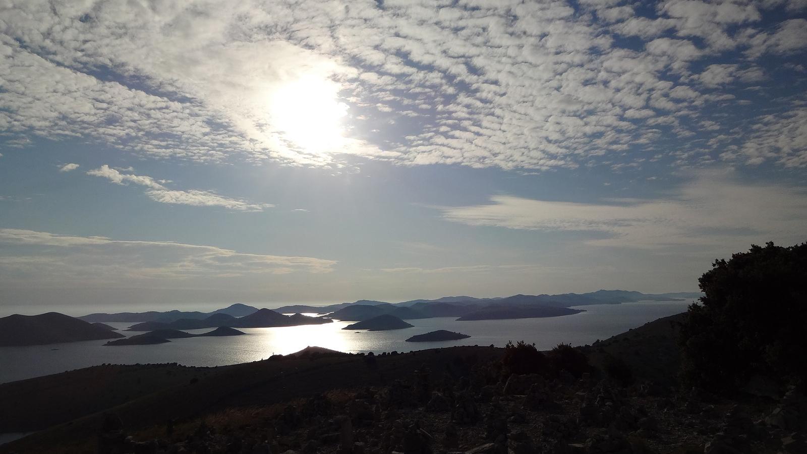 Abenteuersüchtiger-Protagonistin-gesucht-Segeln-in-Kroatien-traveljunies