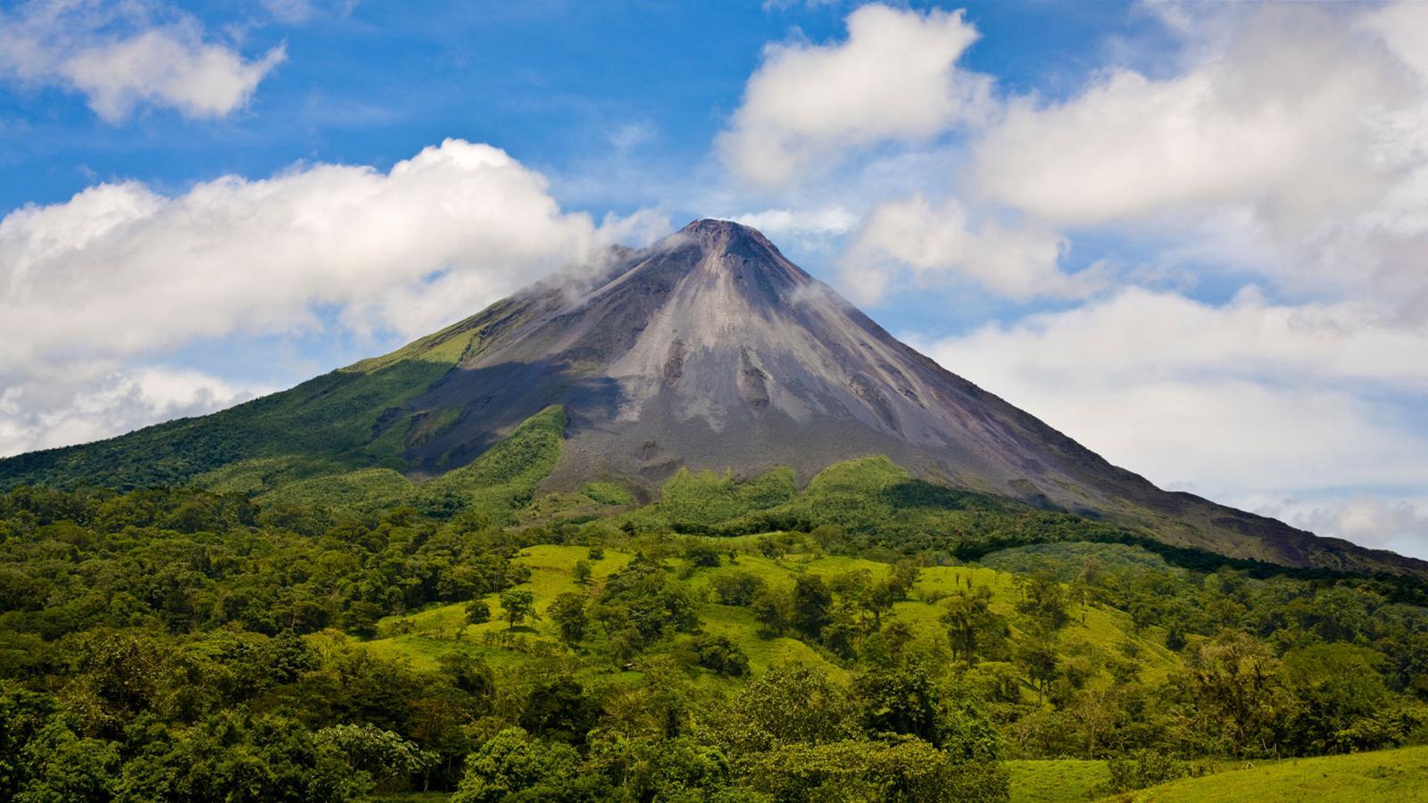 Arenal Vulkan Costa Rica Reisen für junge leute mittelamerika preiswert reisen traveljunkies