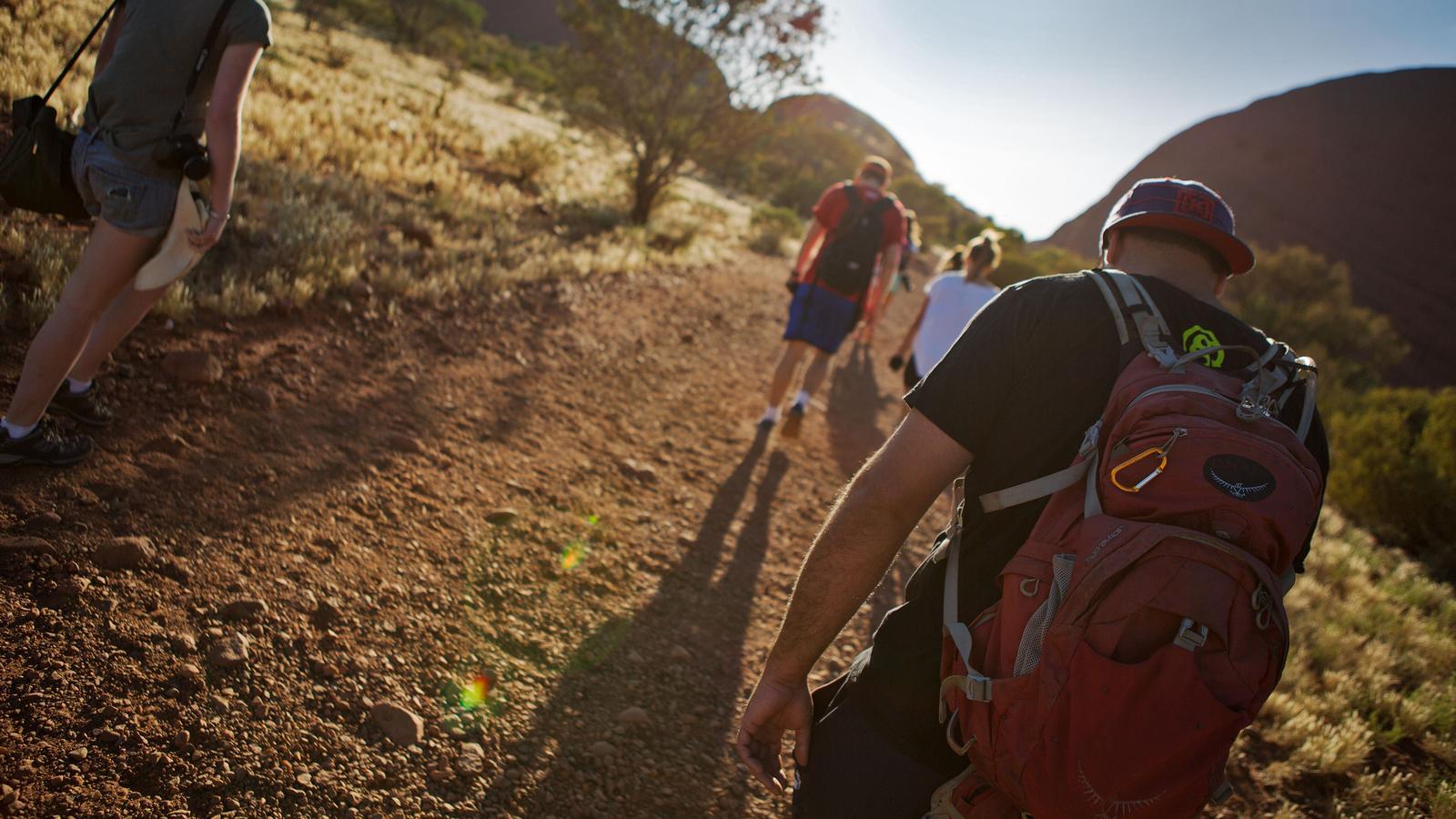 Ayers Rock in Australien im Northern Territory Outback traveljunkies Reisen für junge Leute