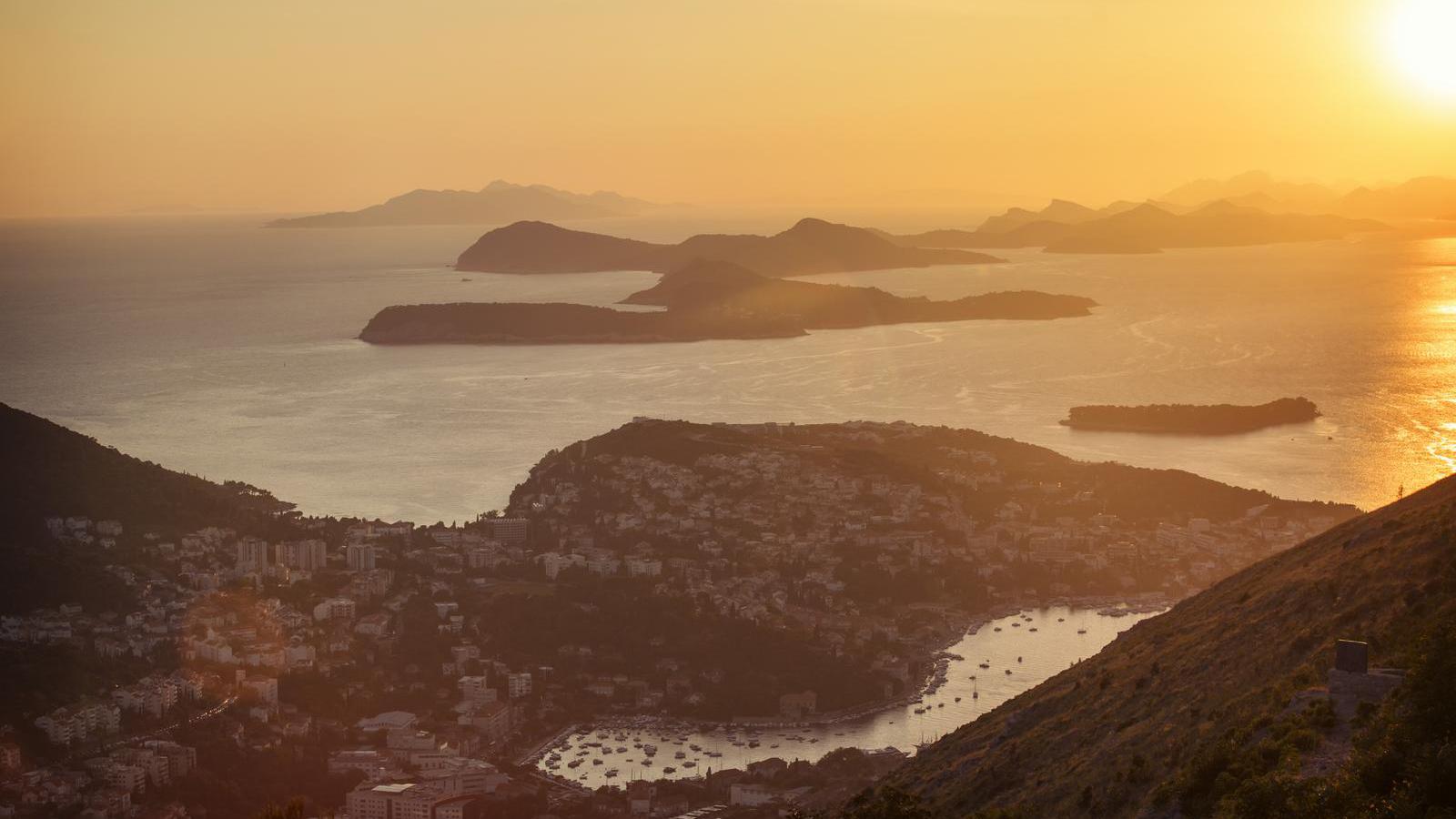 Europa Reise für junge Leute preiswert reisen Griechenland Kroatien Albanien Montenegro traveljunkies