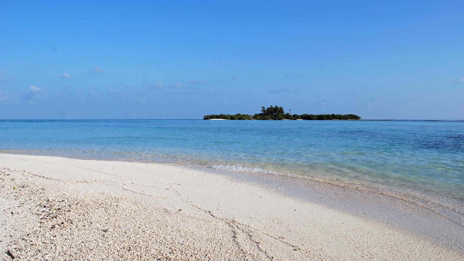 Honeymoon Segeltour im Norden des Malediven Archipels Segelkreuzfahrt Segeltörn traveljunkies