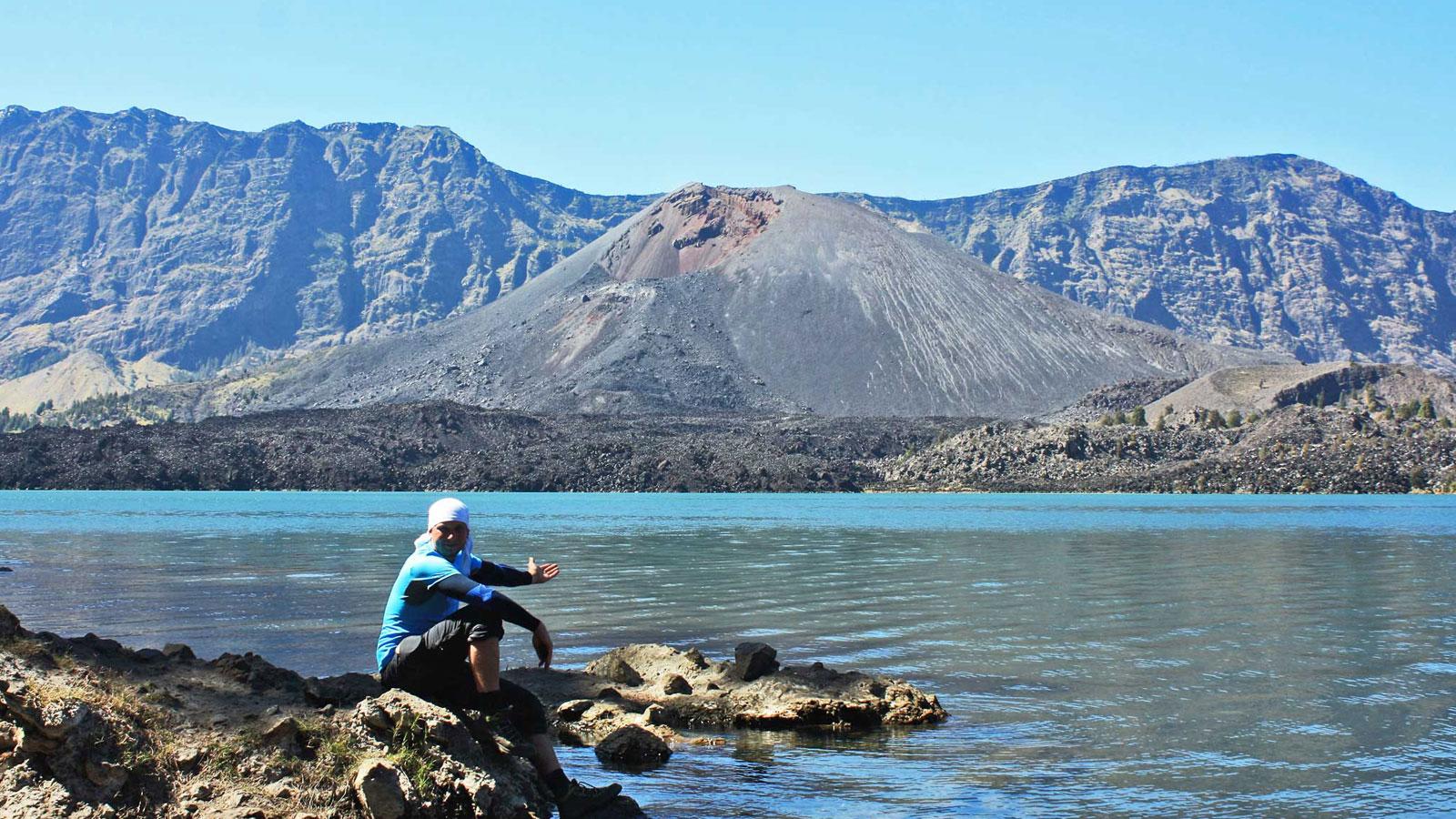 Mount Rinjani Trekking Lombok Kratersee traveljunkies