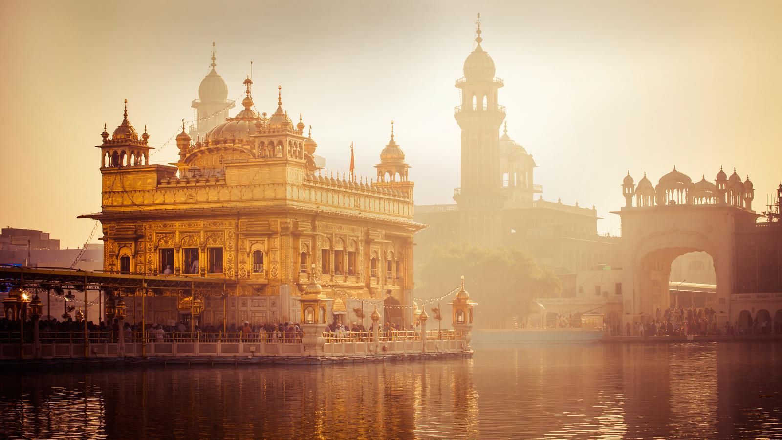 Nordindien mit dem Zug Bahnreise Asien in der Gruppe traveljunkies