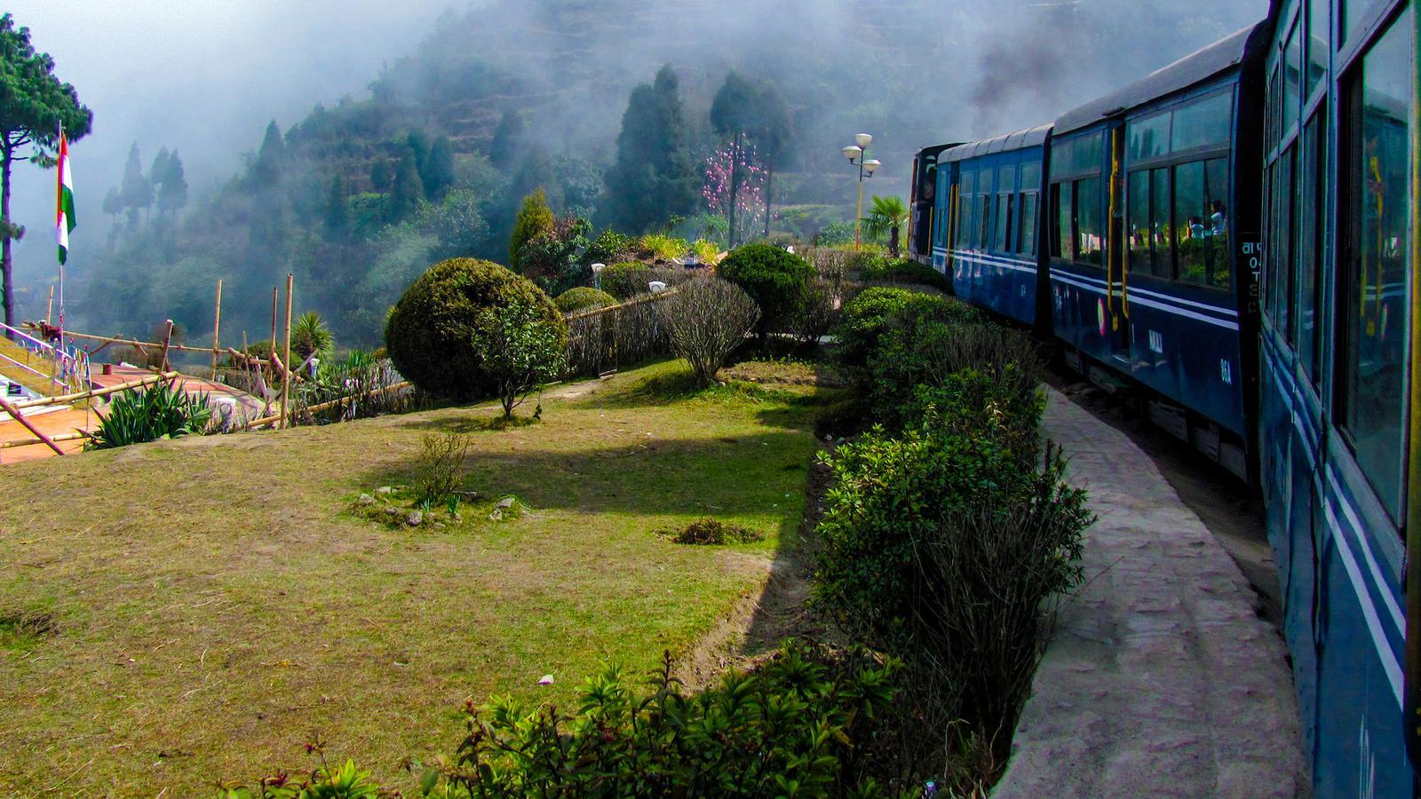 Nordostindien & Darjeeling Erlebnisreise mit dem Zug in der Gruppe traveljunkies