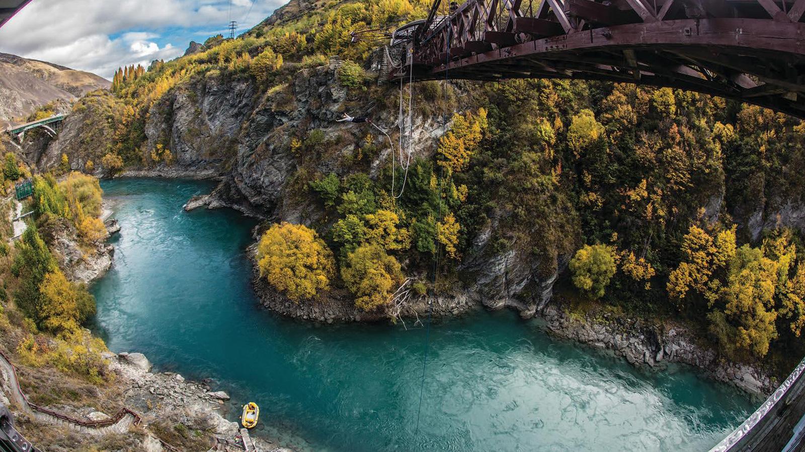 Reisen für junge Leute Neuseeland bungee jumping traveljunkies
