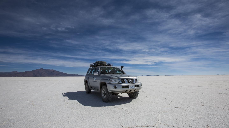 Südamerika Reisen für junge Leute in der Gruppe traveljunkies Bolivien Uyuni Salzwüste