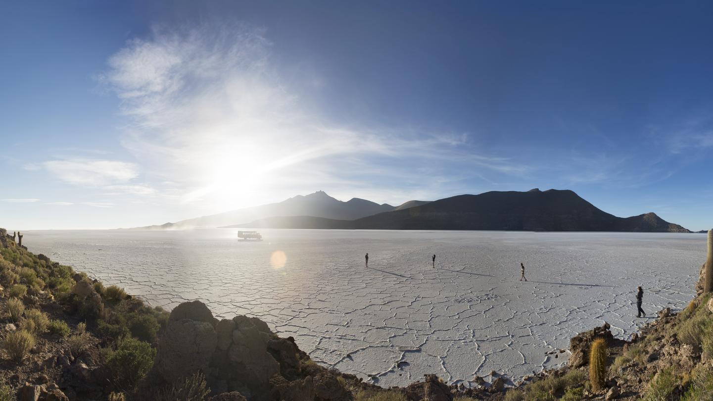 Salar de Uyuni Bolivien Reise für junge Leute in der Gruppe traveljunkies