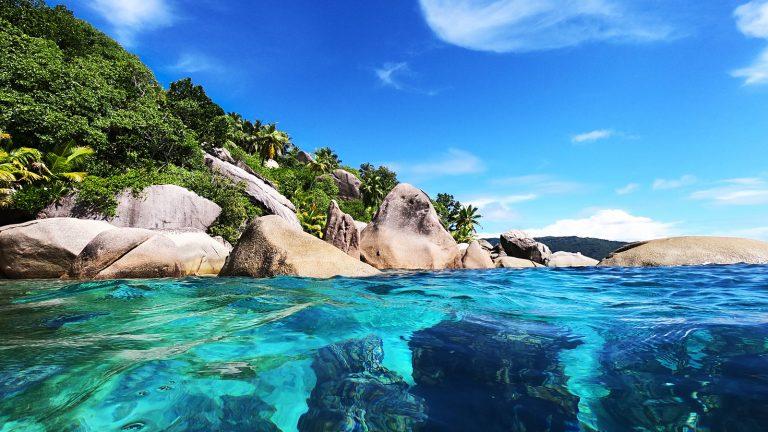Segeln auf den Seychellen Segelkreuzfahrt Segeltörn Flitterwochen traveljunkies