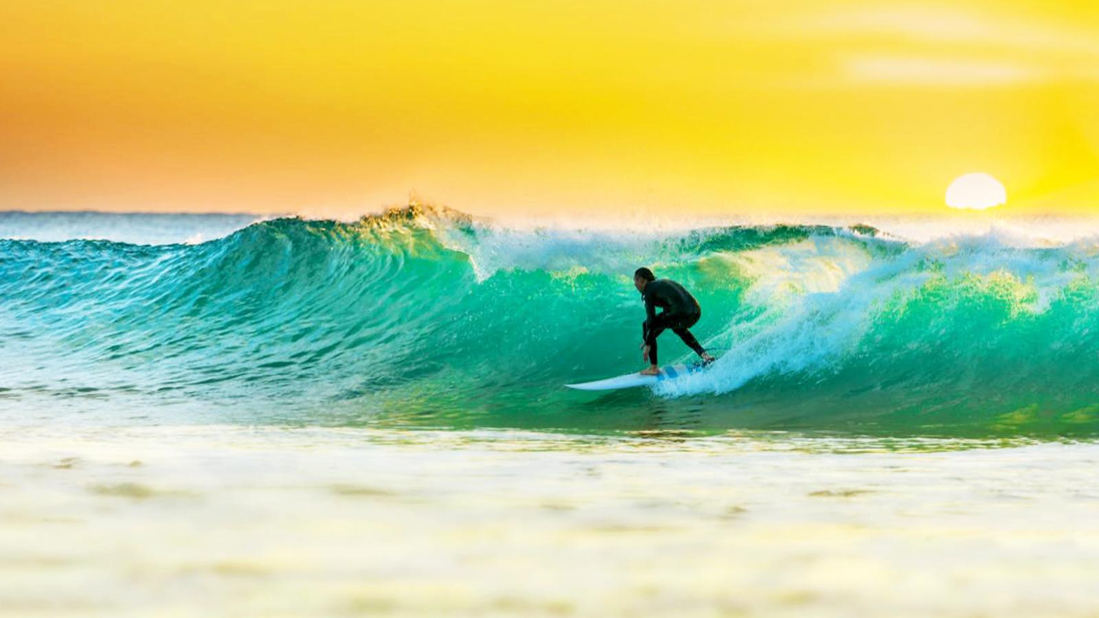 Surfen an der Ostküste Australien Reisen für junge Leute traveljunkies