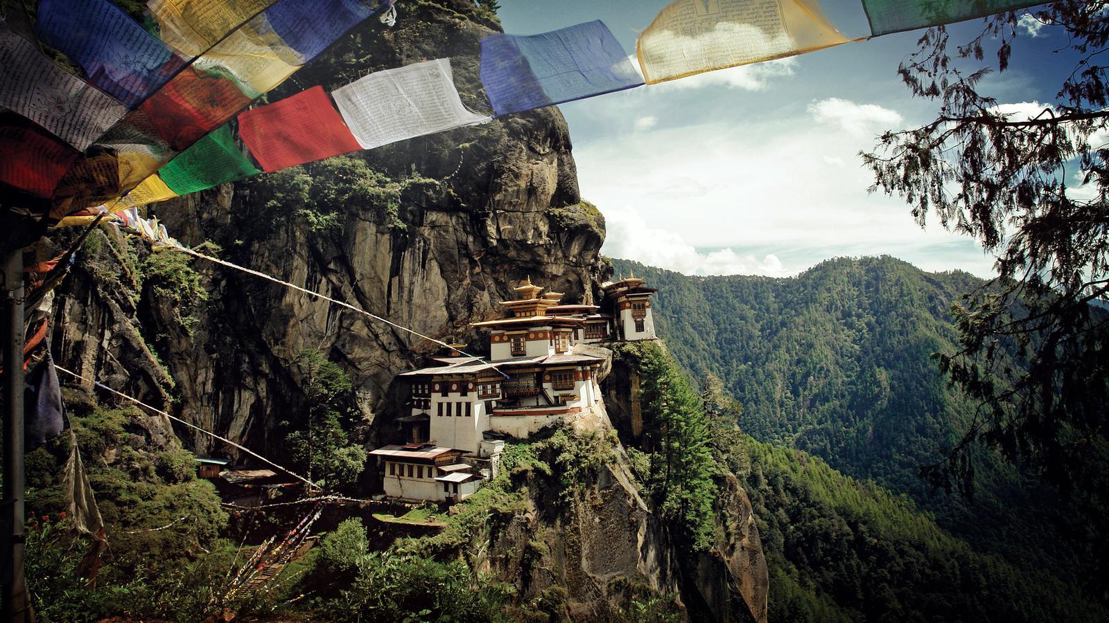Taktshang-Kloster Tigernest Bhutan Trekking Urlaub Aktivreise traveljunkies
