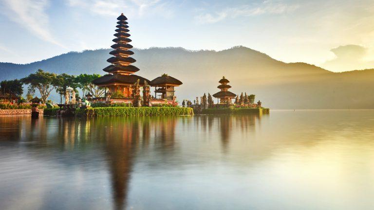Wassertempel Bali Indonesien Reisen für junge Leute traveljunkies