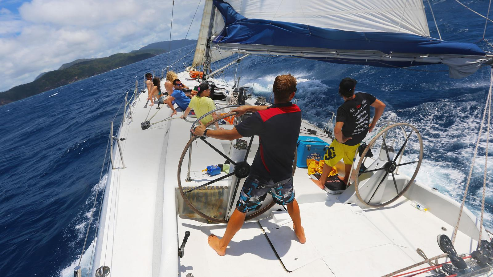 Whitesunday Island Segeltörn an der Ostküste Australien zum Whitehaven Beach und dem Great Barrier Reef Reisen für junge Leute