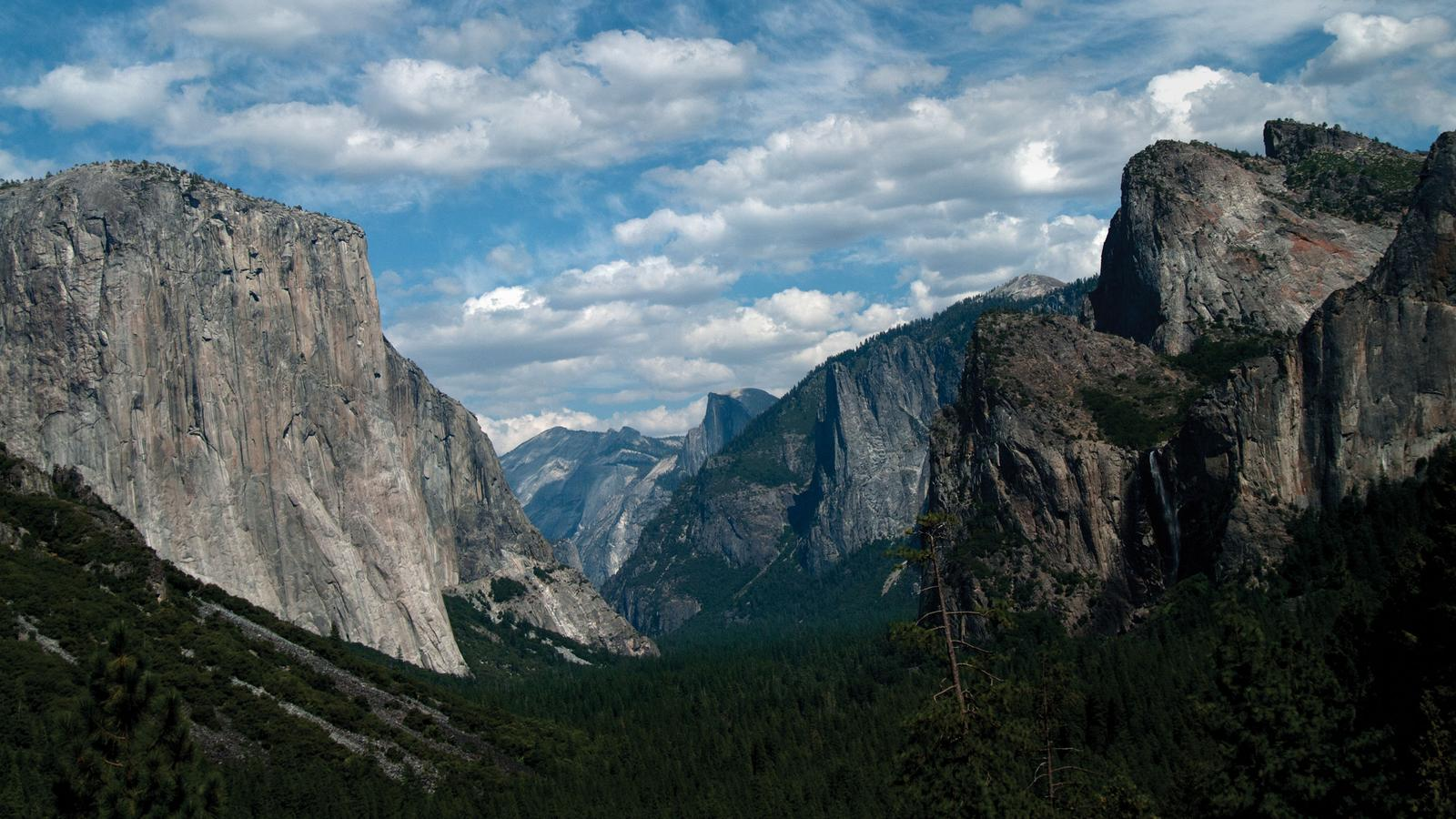 Yosemite-Nationalpark-USA-Roadtrip-in-der-Gruppe-Campingreise-preiswert-traveljunkies