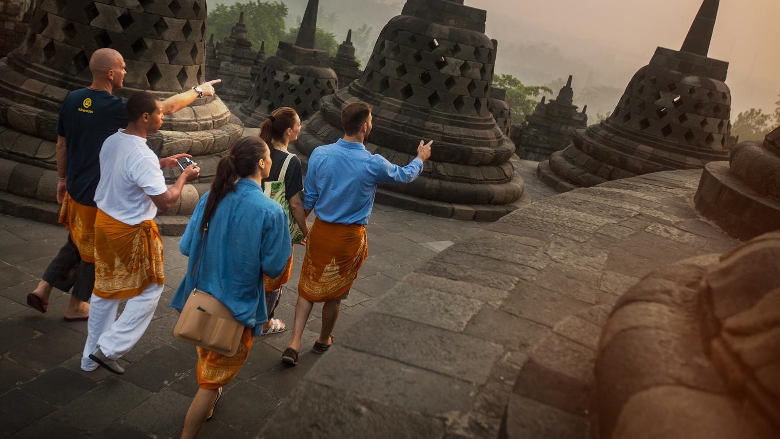 traveljunkies Java Bali Indonesie Jakarta Ubud Borobudur Abenteuerreise Erlebnisreise Gruppenreise Adventure Reisen für junge Leute