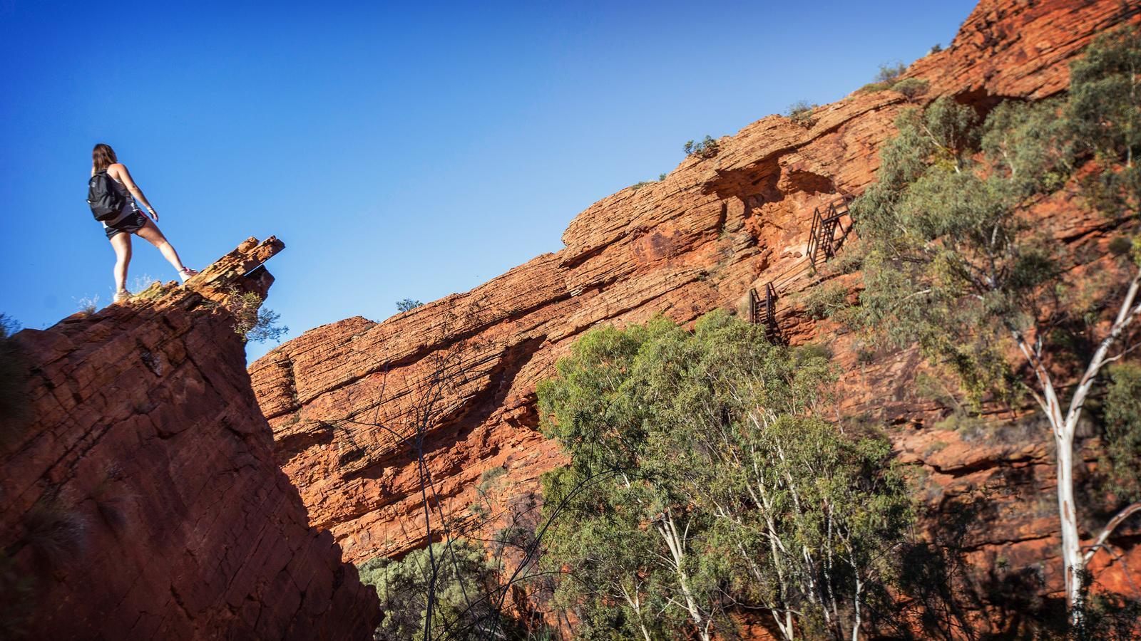traveljunkies Schlucht Kings Canyon Australien Reisen für junge Leute Gruppenreise Abenteuerreise Erlebnisreise